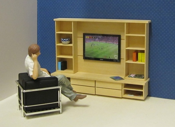 EAZY LIVING Media unit with TV panel kit