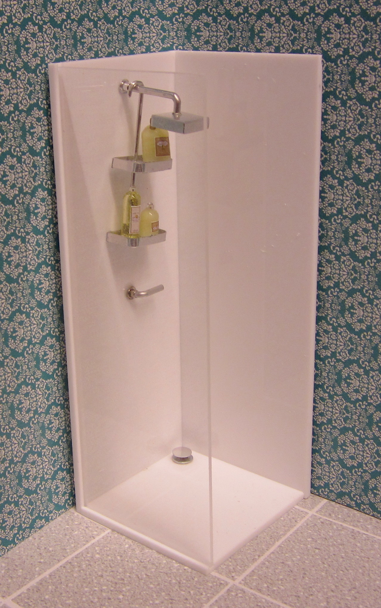 Minimalist shower (ready-built)