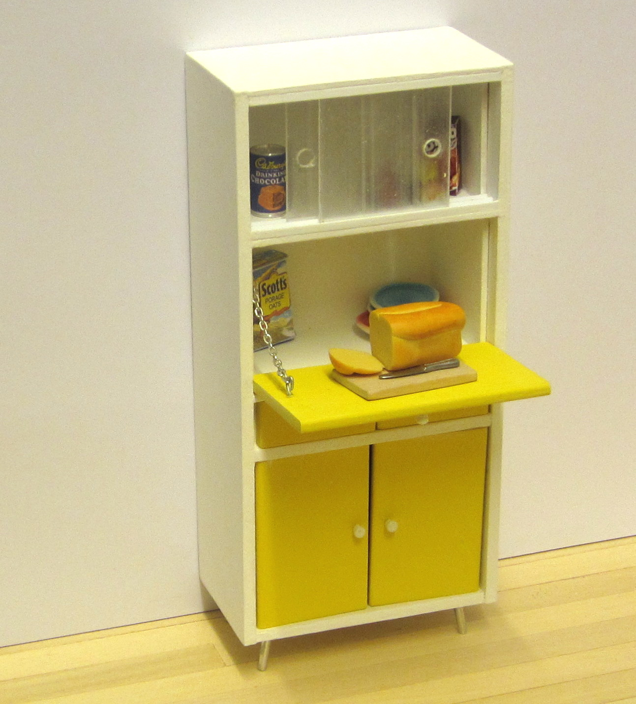 RETRO Kitchen cabinet