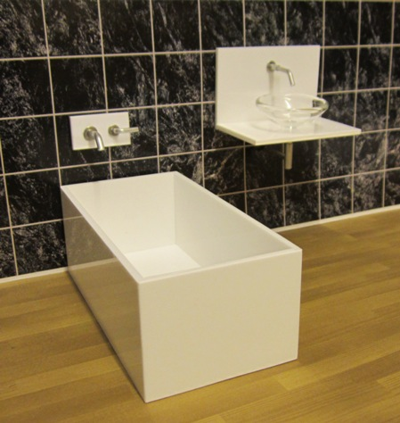 1:16 ELF gloss white acrylic vanity and tub